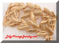 Vintage Golden Textured Leaf Bracelet