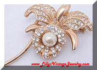 Beautiful ROMAN Rhinestone faux Pearl Flower Brooch