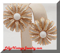 Vintage TRIFARI White Enamel Flower Earrings