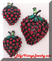 ART Japanned Rhinestones Strawberries Brooch Earrings set