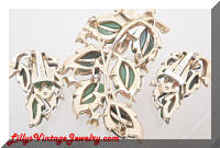 Vintage LISNER Greens Thermoset Leaves Brooch Earrings Set