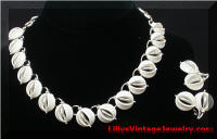 Vintage LISNER White Inserts Necklace Earrings Set